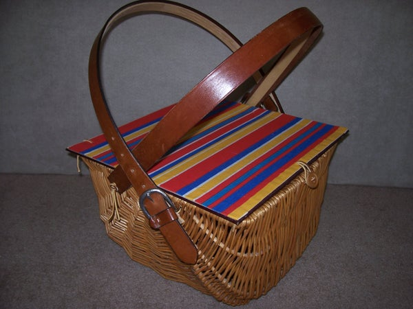 Create a Rustic Picnic Basket With Liner