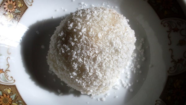Onde Onde (Malaysian Coconut Balls)
