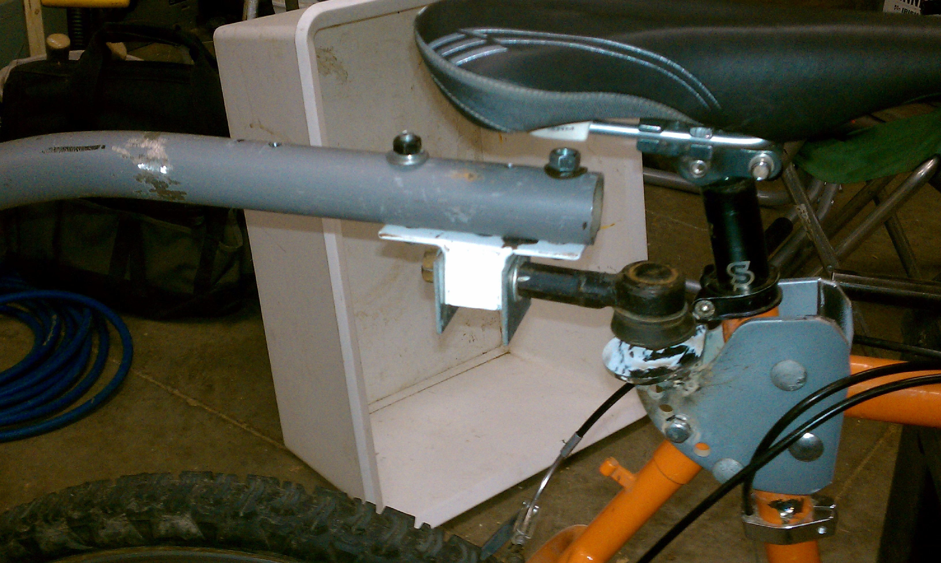 Picture of How to Make a Pedicab Trailer Hitch Using Car Steering Tie Rod