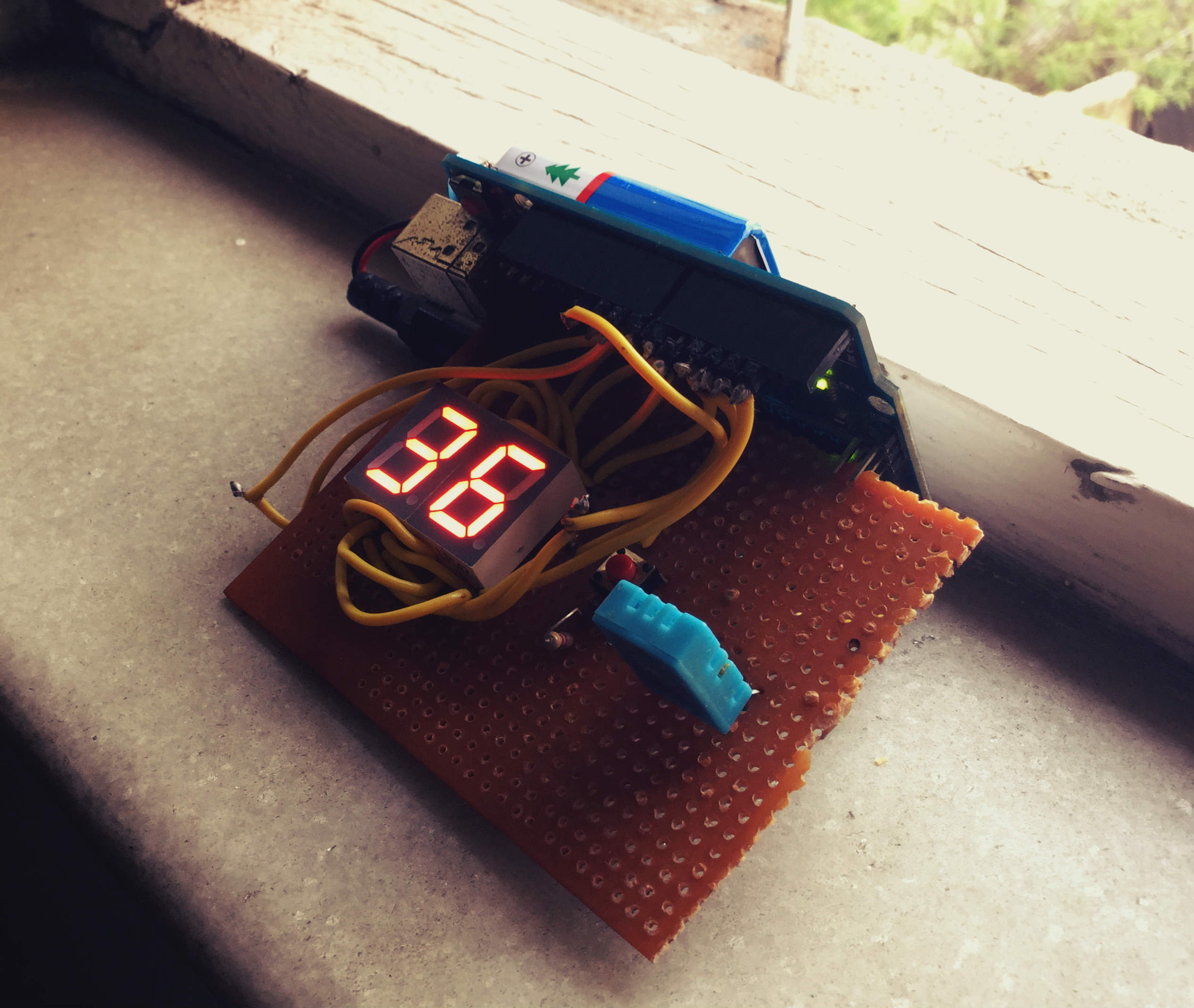 Picture of Arduino Temperature and Humidity on 7 Segment Display