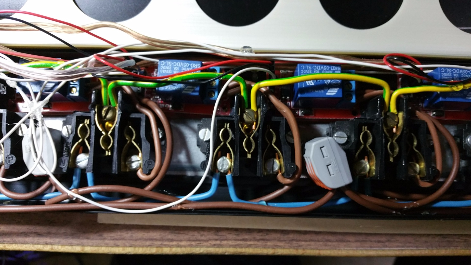 Picture of AC Powerstrip With Arduino Controlled AC/DC Relays and OpenHAB