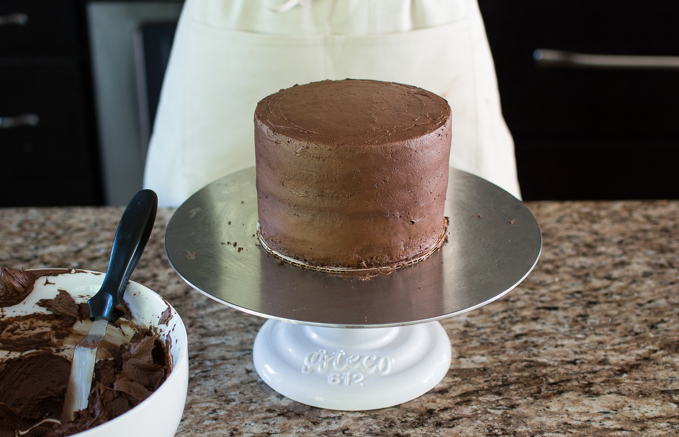 Prepare Cake & Crumb Coat