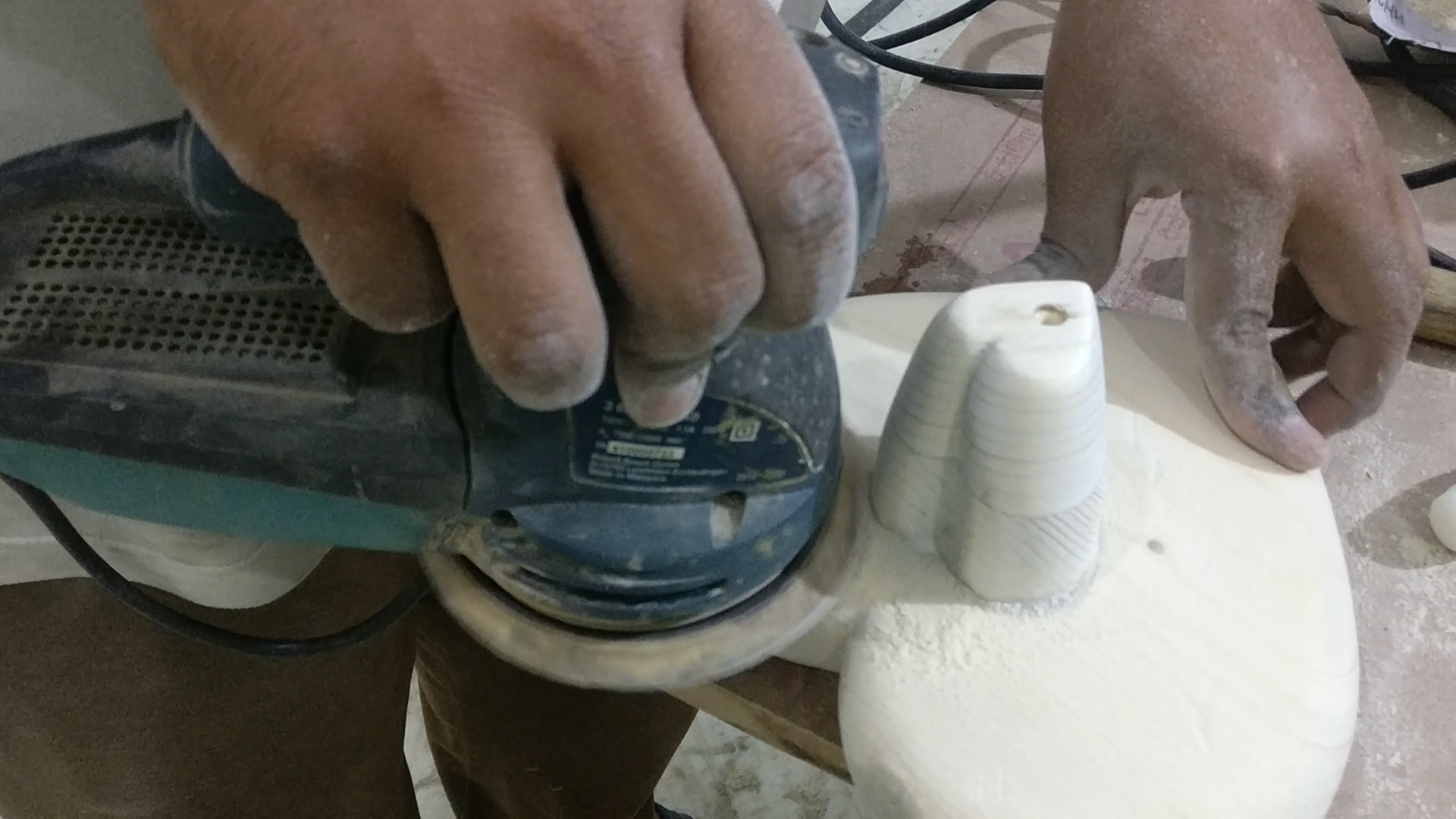 Picture of Cutting of Heart Shaped Wooden Stand