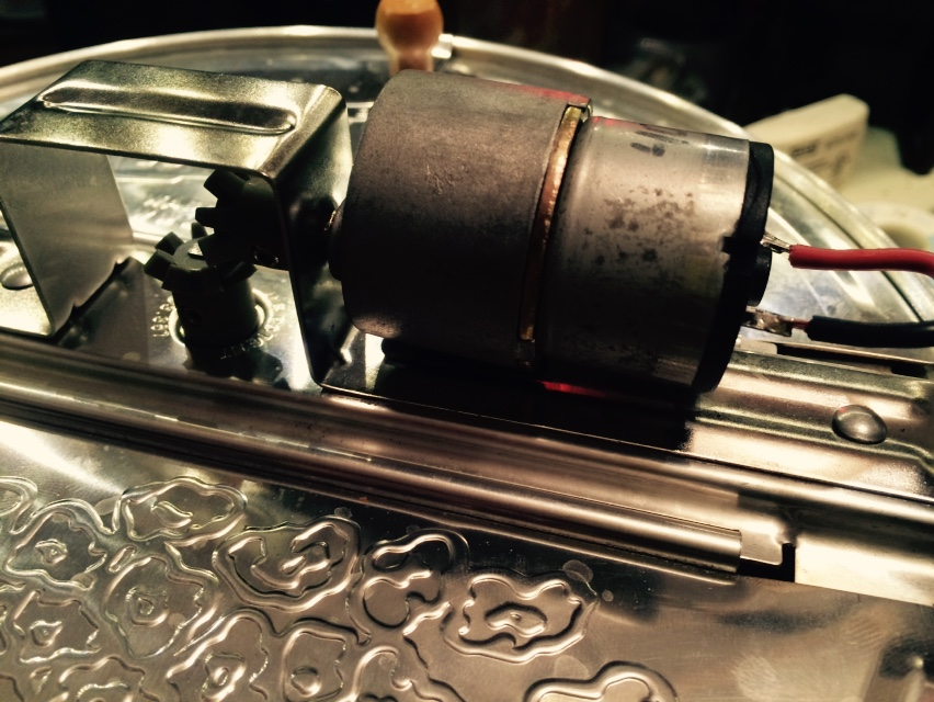 Picture of Mount the Motor to the Roaster