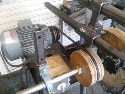 DIY Highly Adaptable Belt Grinder