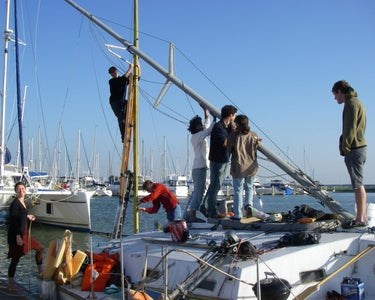 Free Yacht Chapter 13: Raise the New Mast!