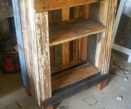 Pallet cabnet with shelf