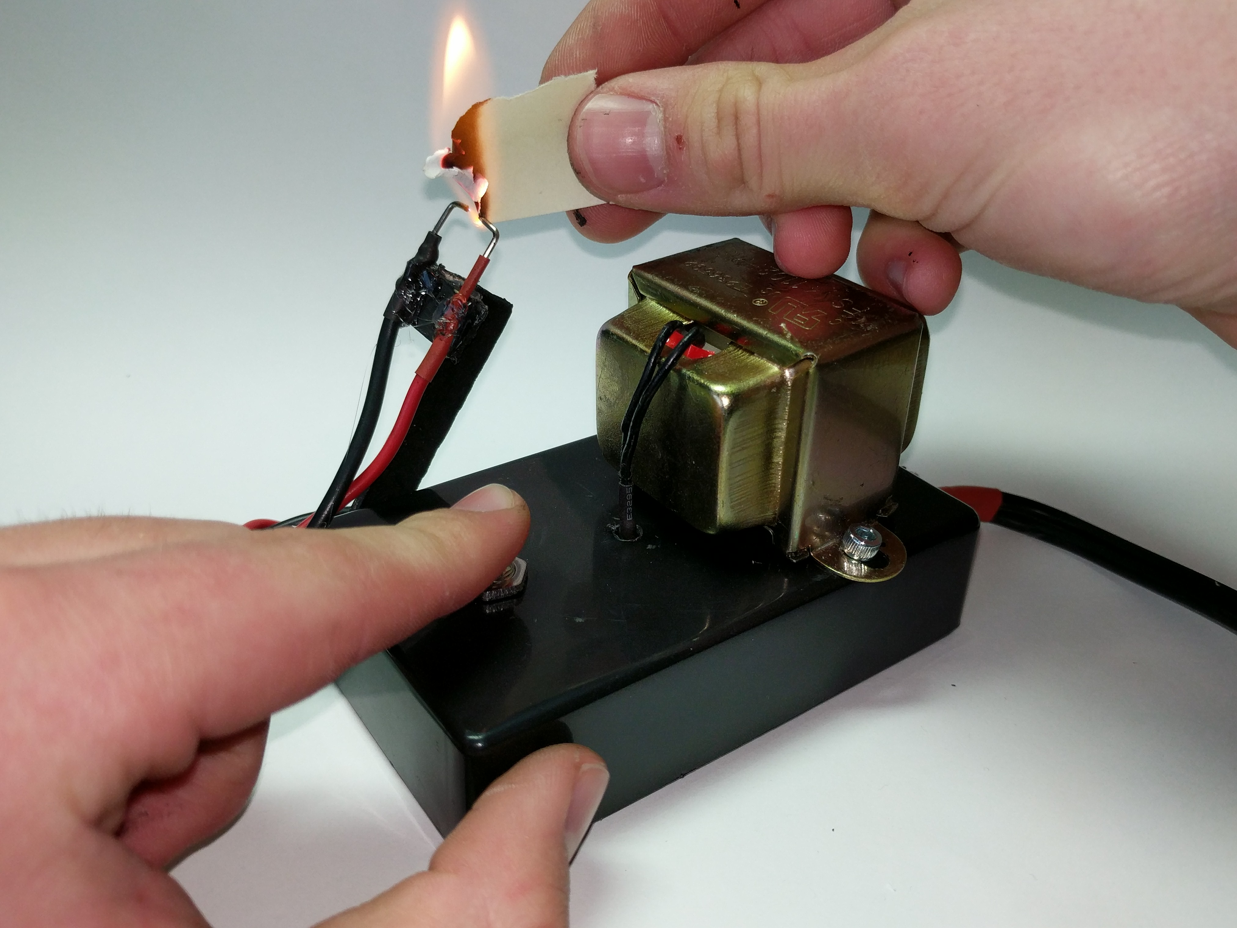 Picture of Start Fires With Electricity: DIY Arc Lighter