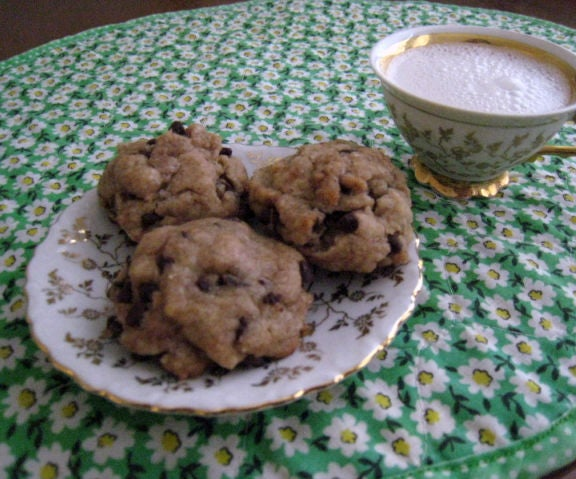 Easy Chocolate Chip Cookies That Happen to Be Vegan