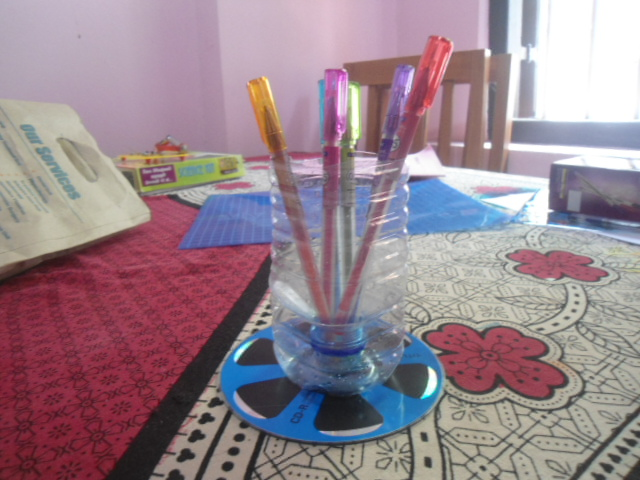 Picture of Plastic Pen Holder