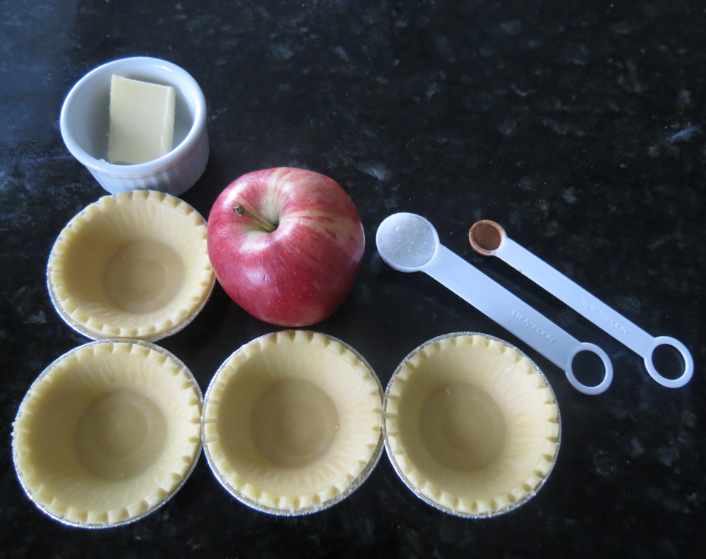 Picture of Mini Mile High Owl Apple Pies