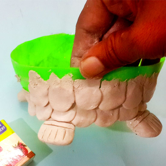 Picture of Let's Use the Clay to Cover the Turtle Body!