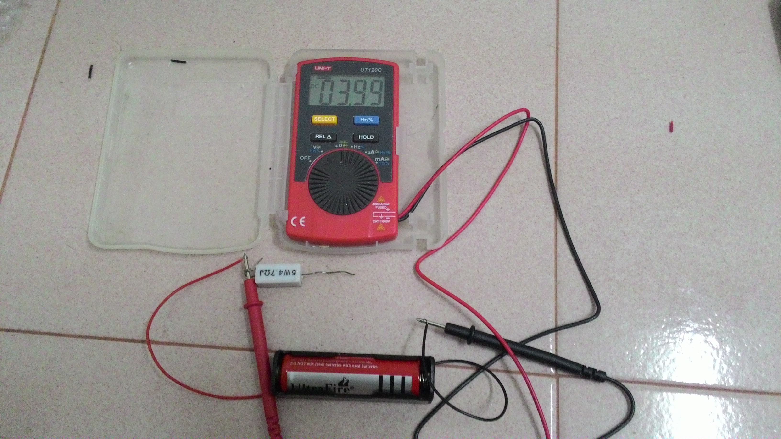Picture of Measuring the Voltage Across the Load Resistor