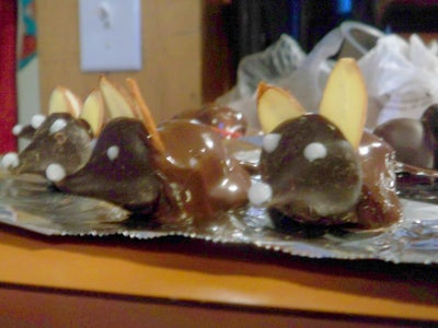 Chocolate Mice, a Surefire Win for Your Sweetheart.