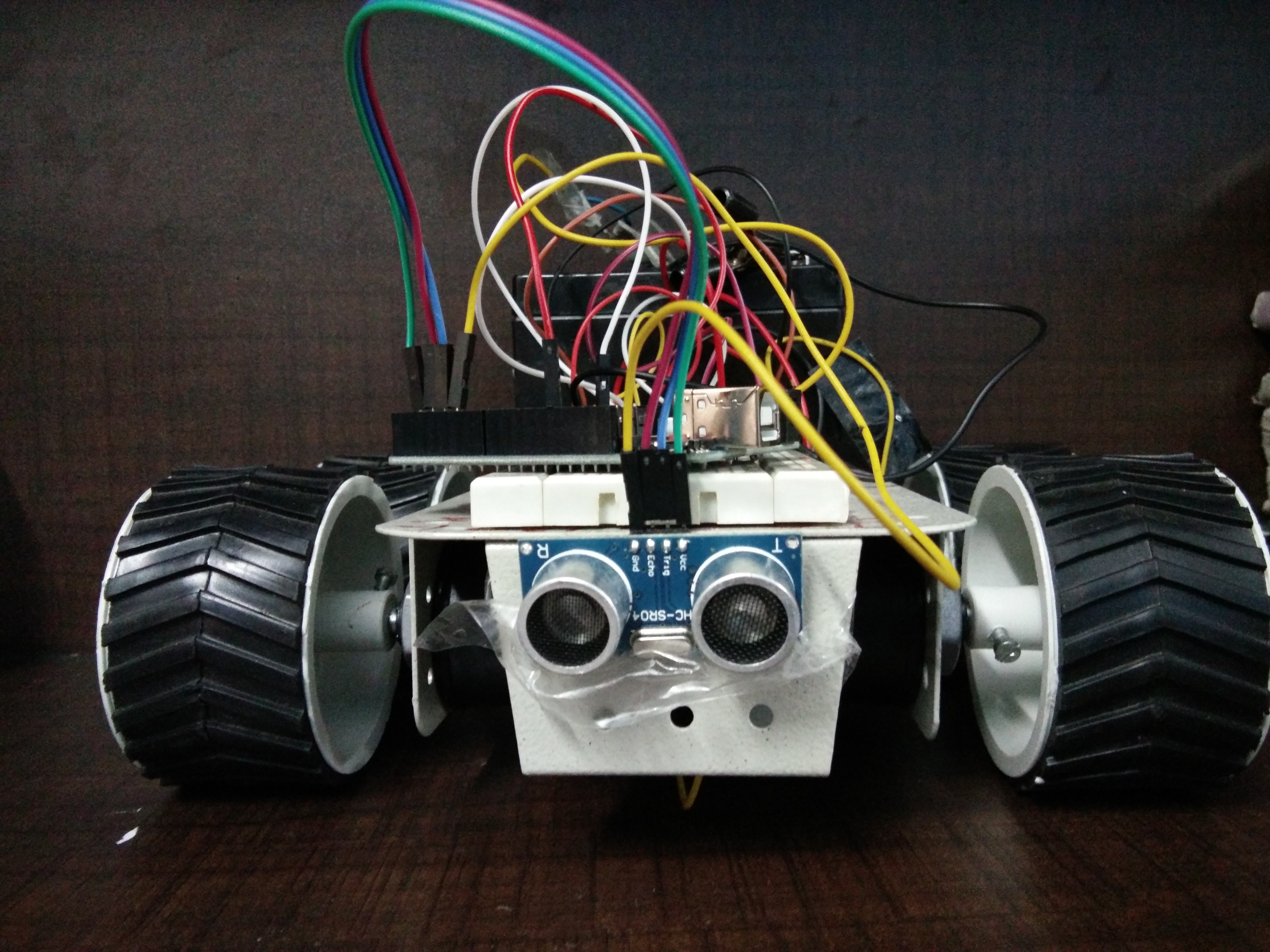 Picture of SELF OBSTACALES AVOIDING ROBOT
