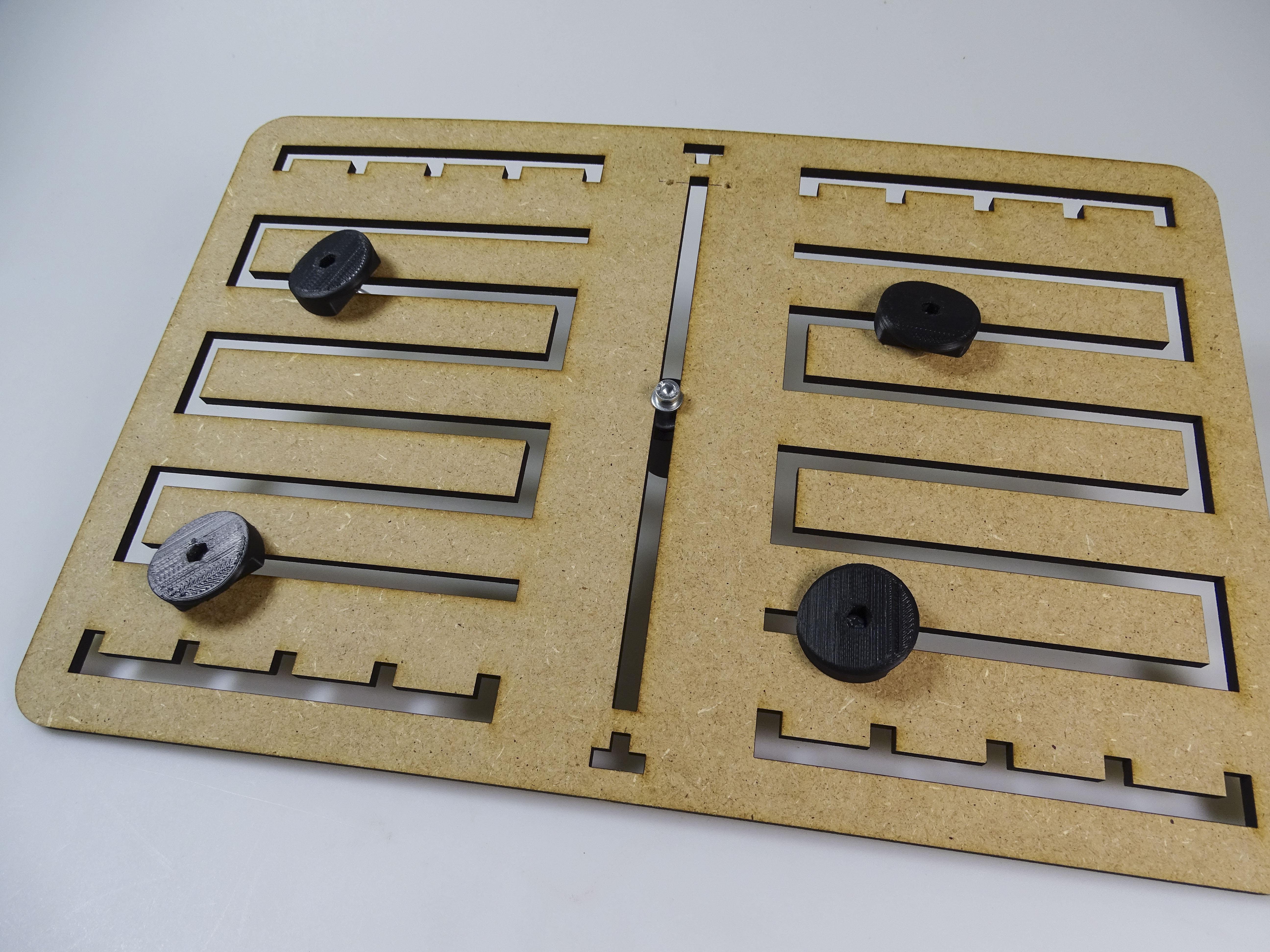 Picture of ONLY FOR TABLETS: Attaching the Clamps for Tablets