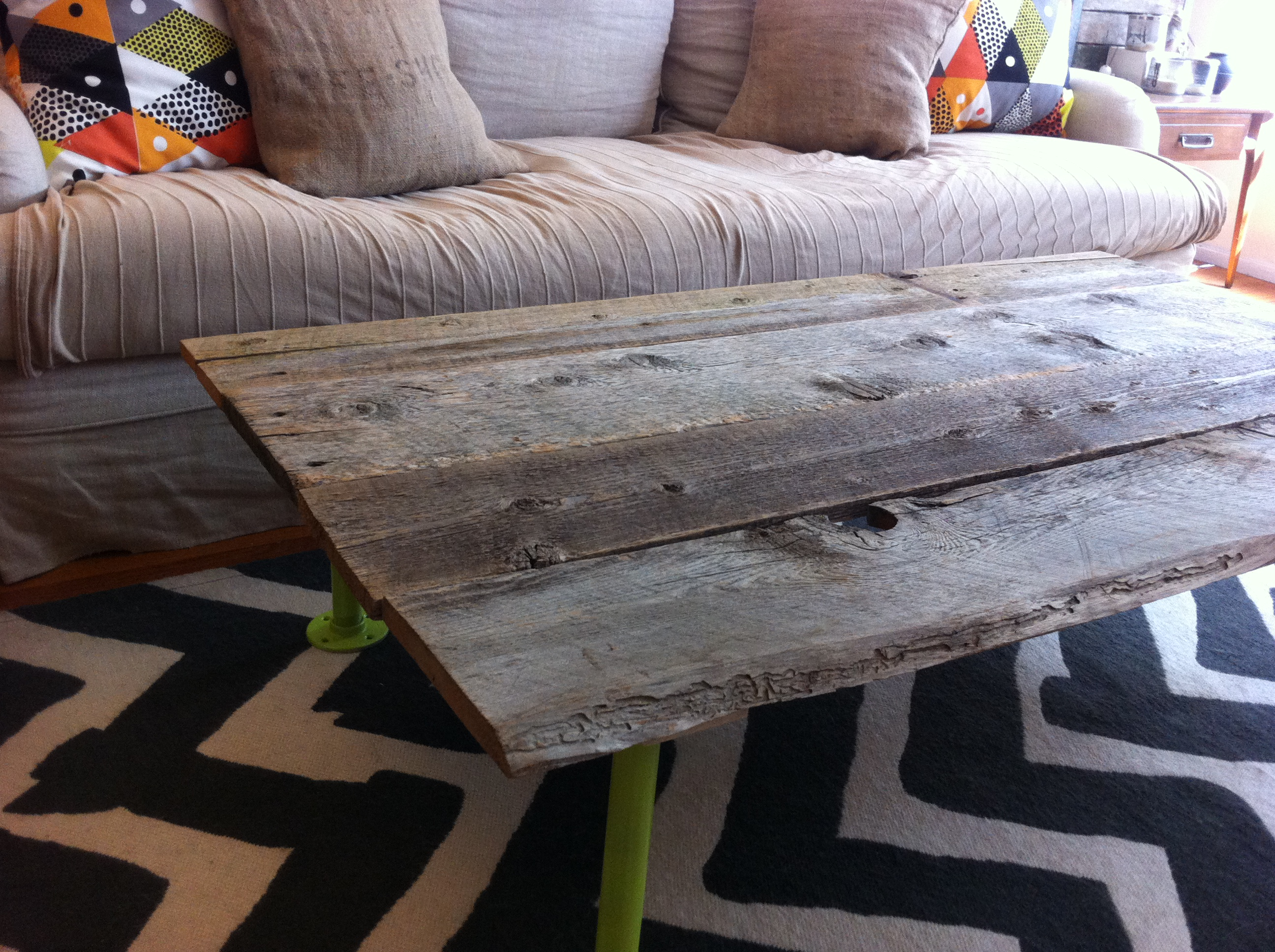 How to Build a Coffee Table From Reclaimed Wood: 5 Steps ...