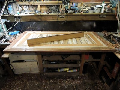Levelling the Table Top Using Hand Planes