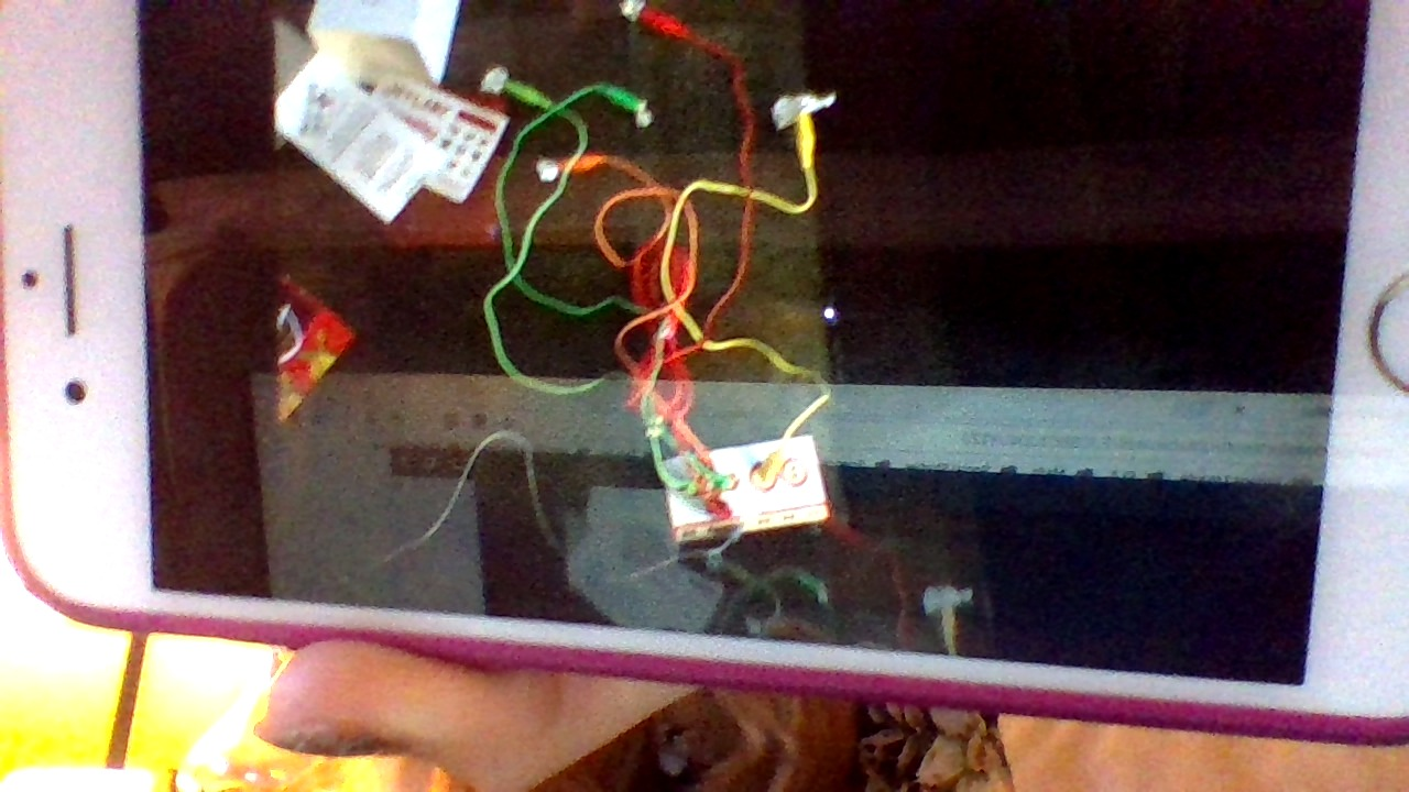 Picture of MakeyMakey - Easy Tutorial and How It Works! Making a Piano!