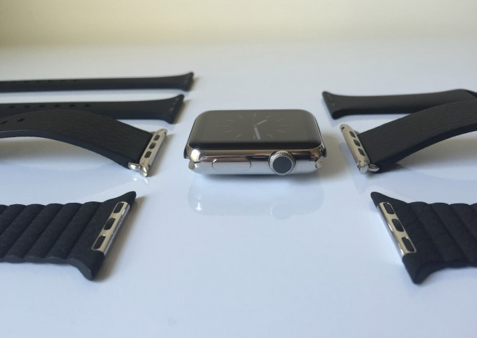 Picture of Removing the Current Apple Watch Bands