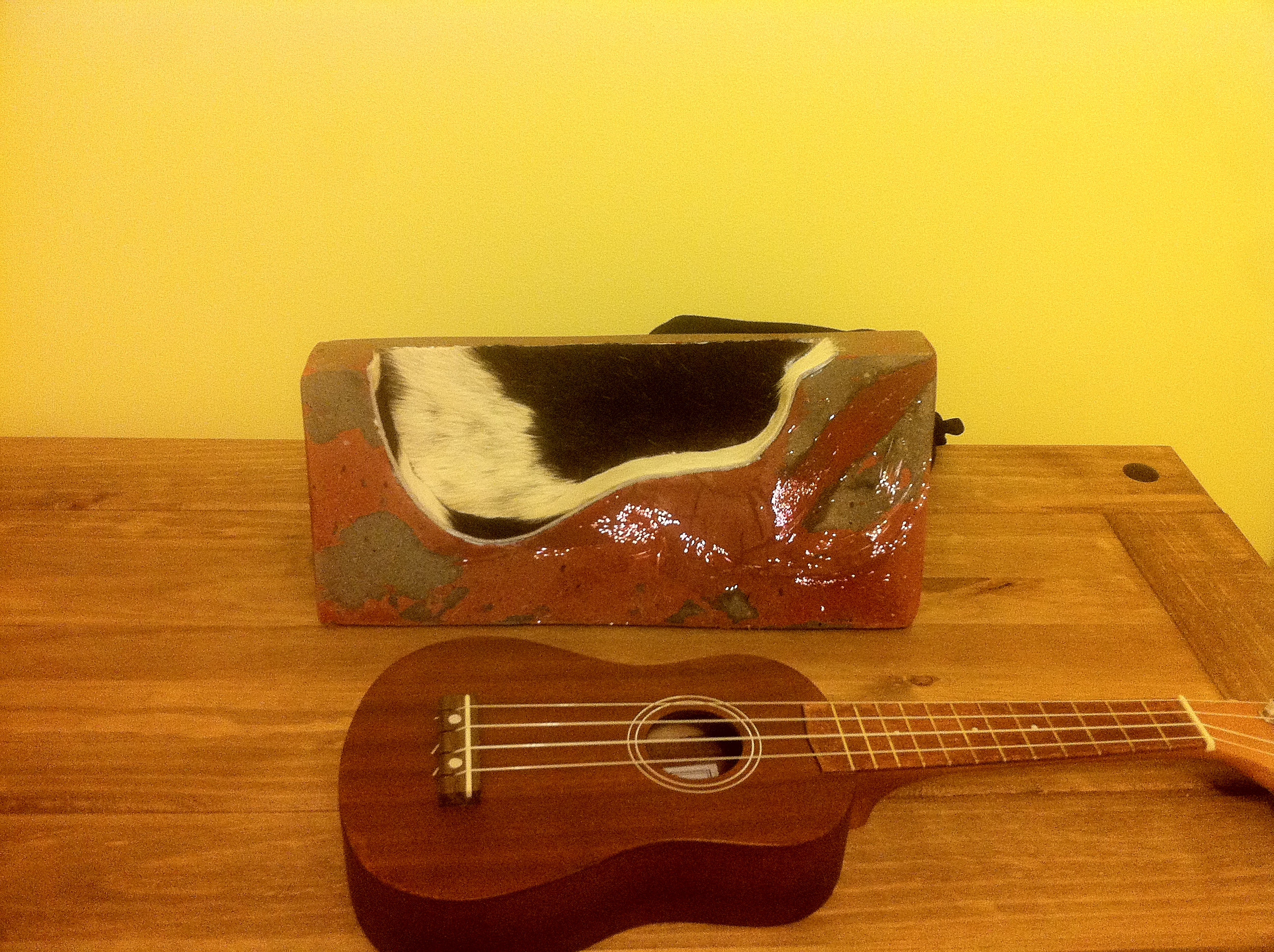 Picture of Polished Concrete Ukulele Stand With Colour Change Fibre Optic Lights and Sugru Feet