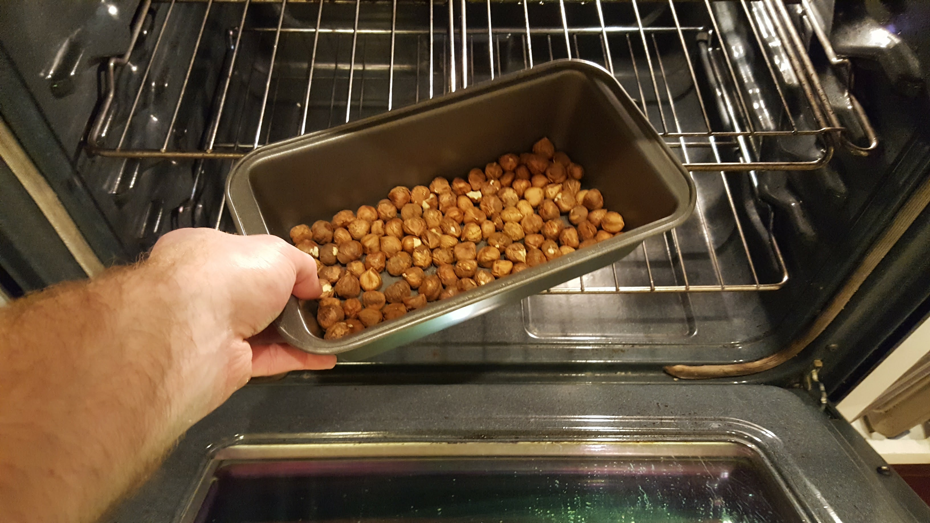 Picture of Roast the Hazelnuts