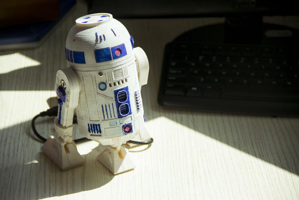 Picture of HI R2D2! -- Make a 3D Print Talking R2D2 Robot
