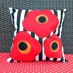 Pretty Poppy Pillows