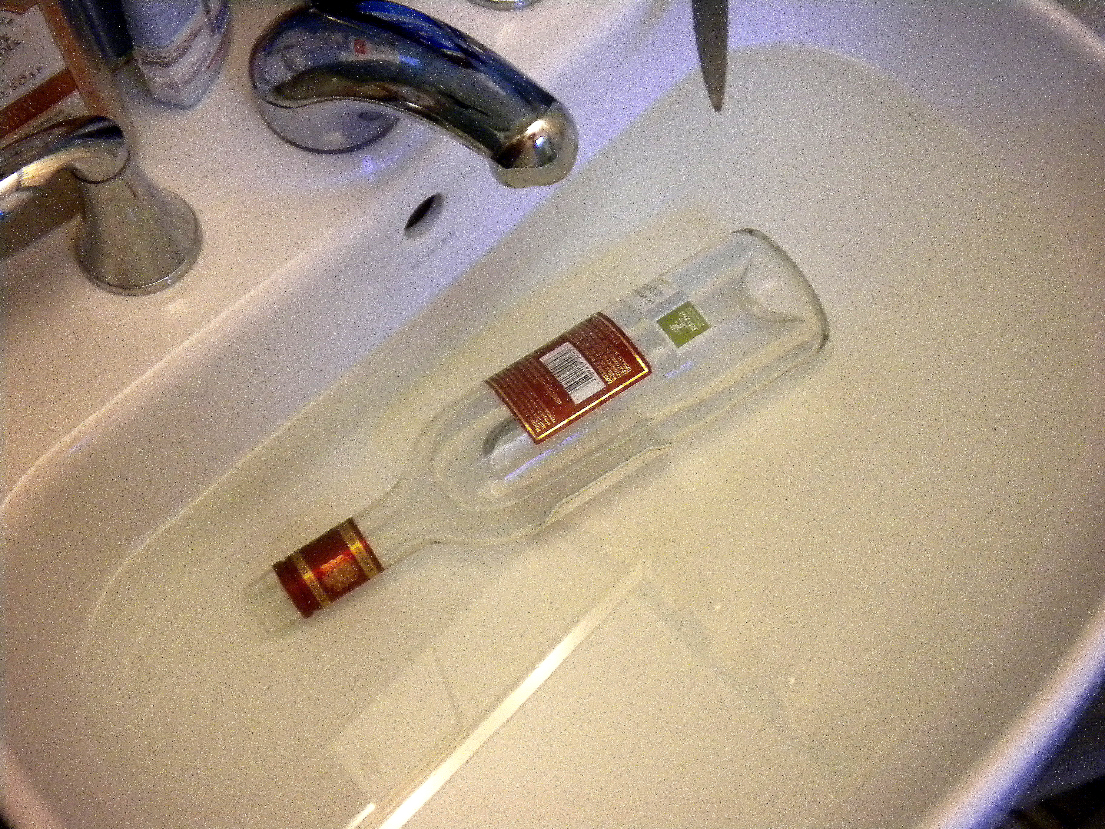 Picture of Clean the Bottle