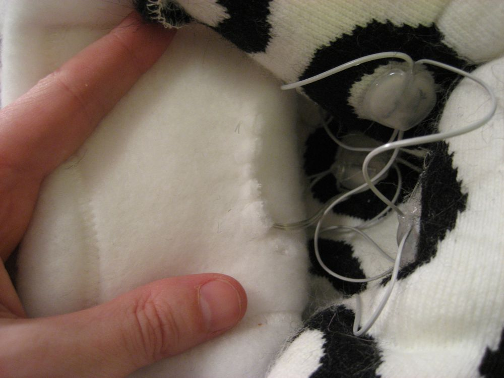 Picture of Finish Sewing Scarf Lining