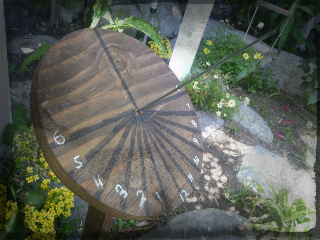 Picture of Sundial From Scrap Wood