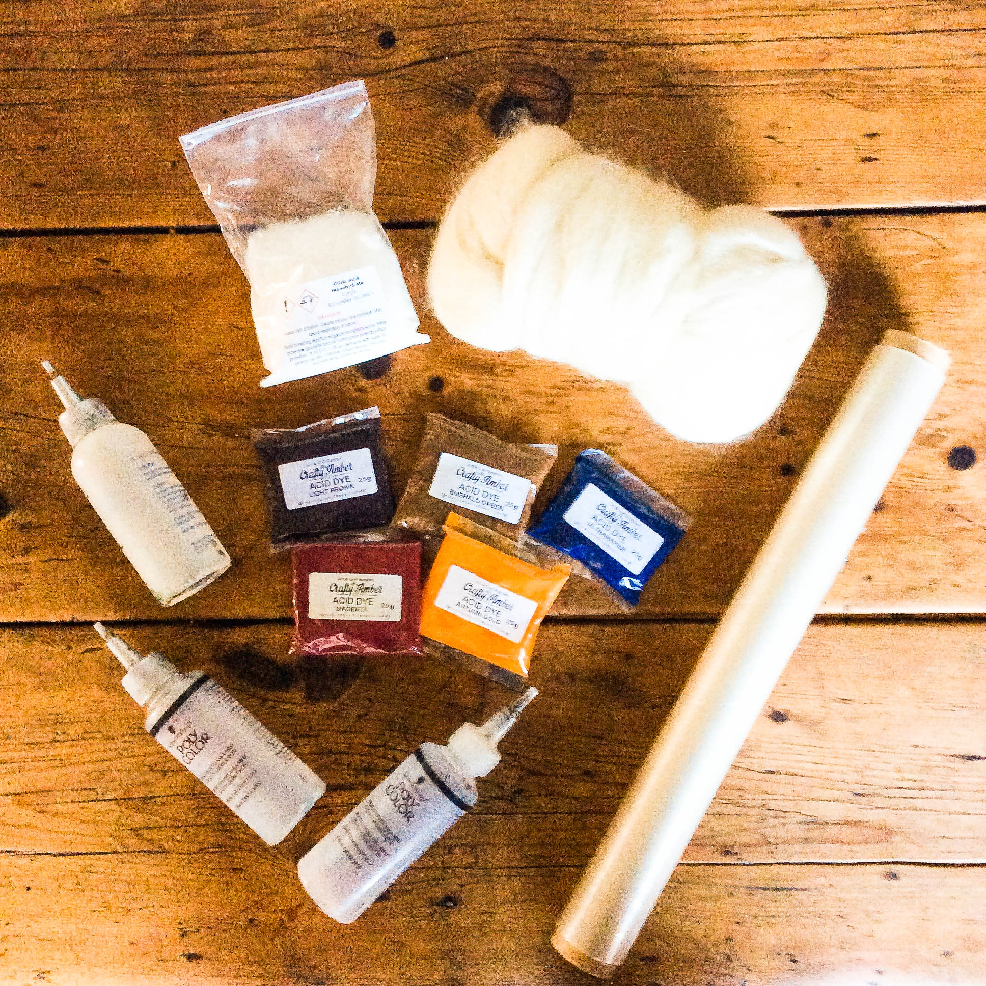 Picture of What You Need for Hand Painting Wool Tops