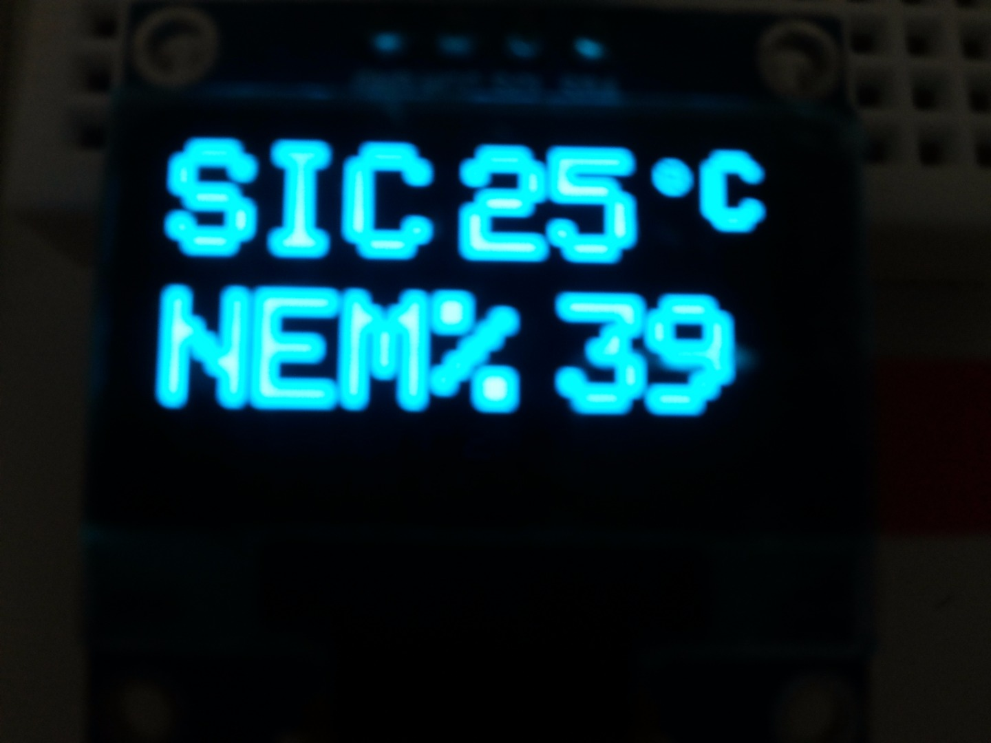 Picture of BONUS PROJECT: Reading Temperature and Humidity Values to Put These on OLED Display