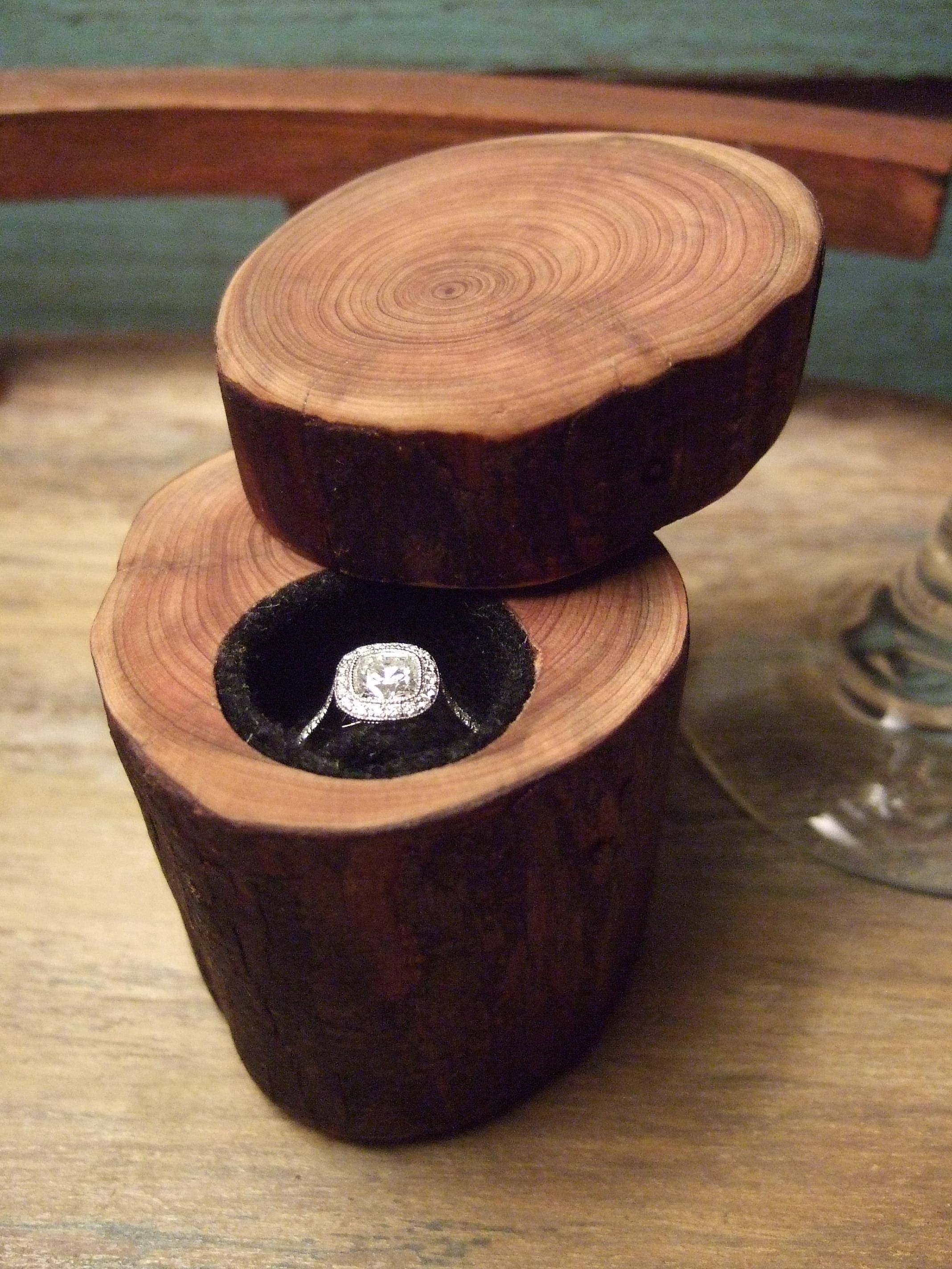 Picture of Engagement Ring Box