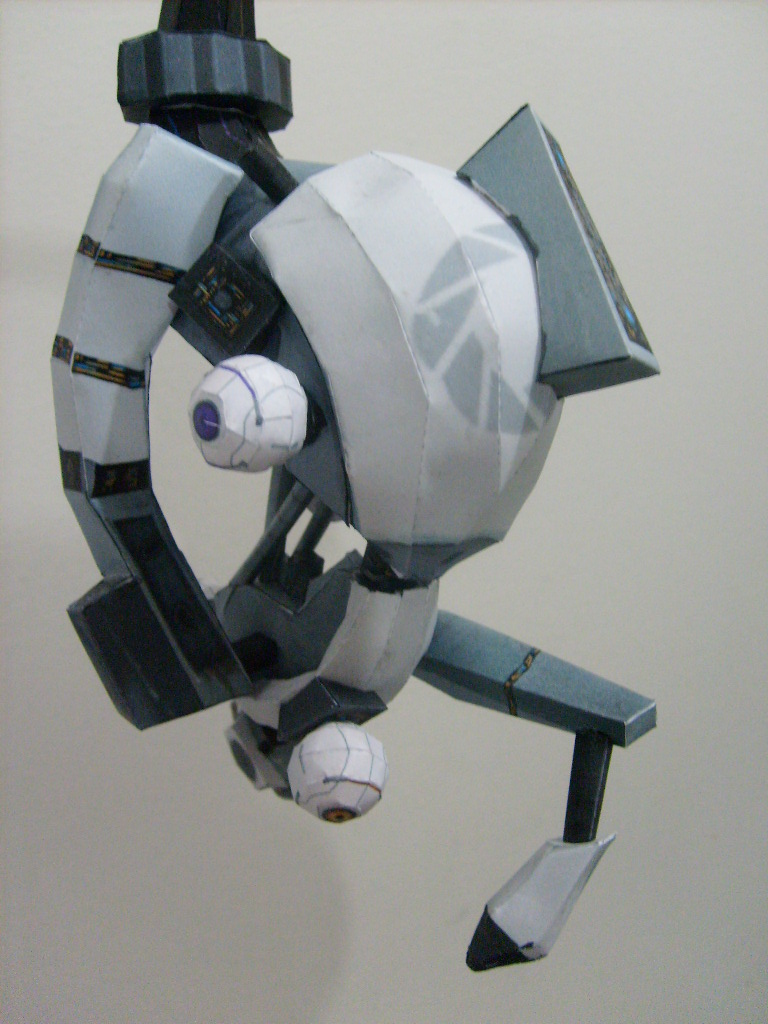 Picture of Full Scale GLaDOS Papercraft Replica