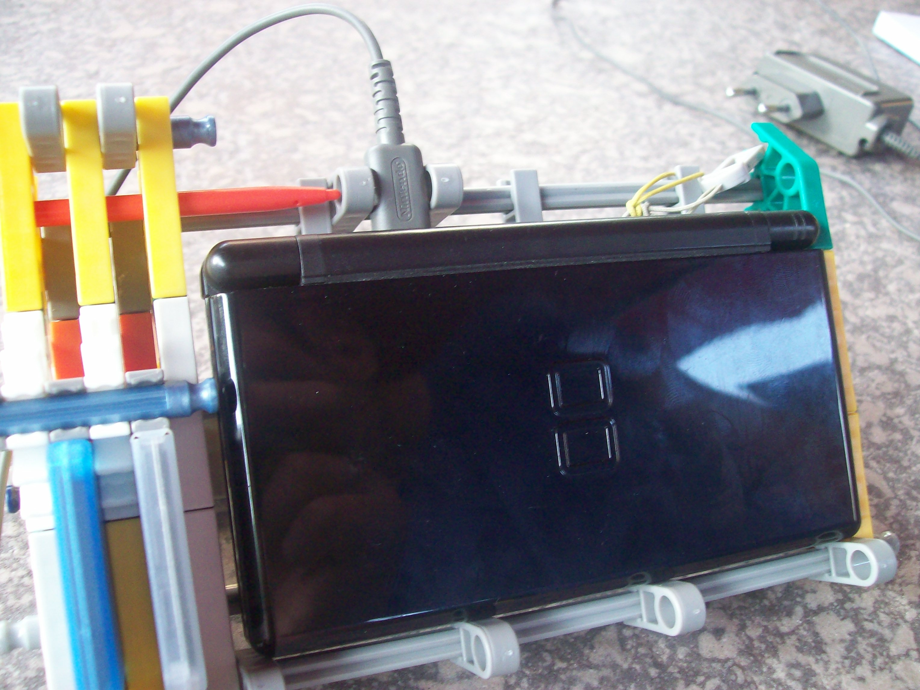 Picture of Knex DS Lite\DSi Docking Station With Game Card Holder