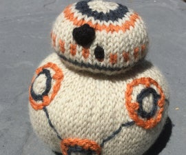 """Knit BB-8 from """"Star Wars: The Force Awakens"""""""