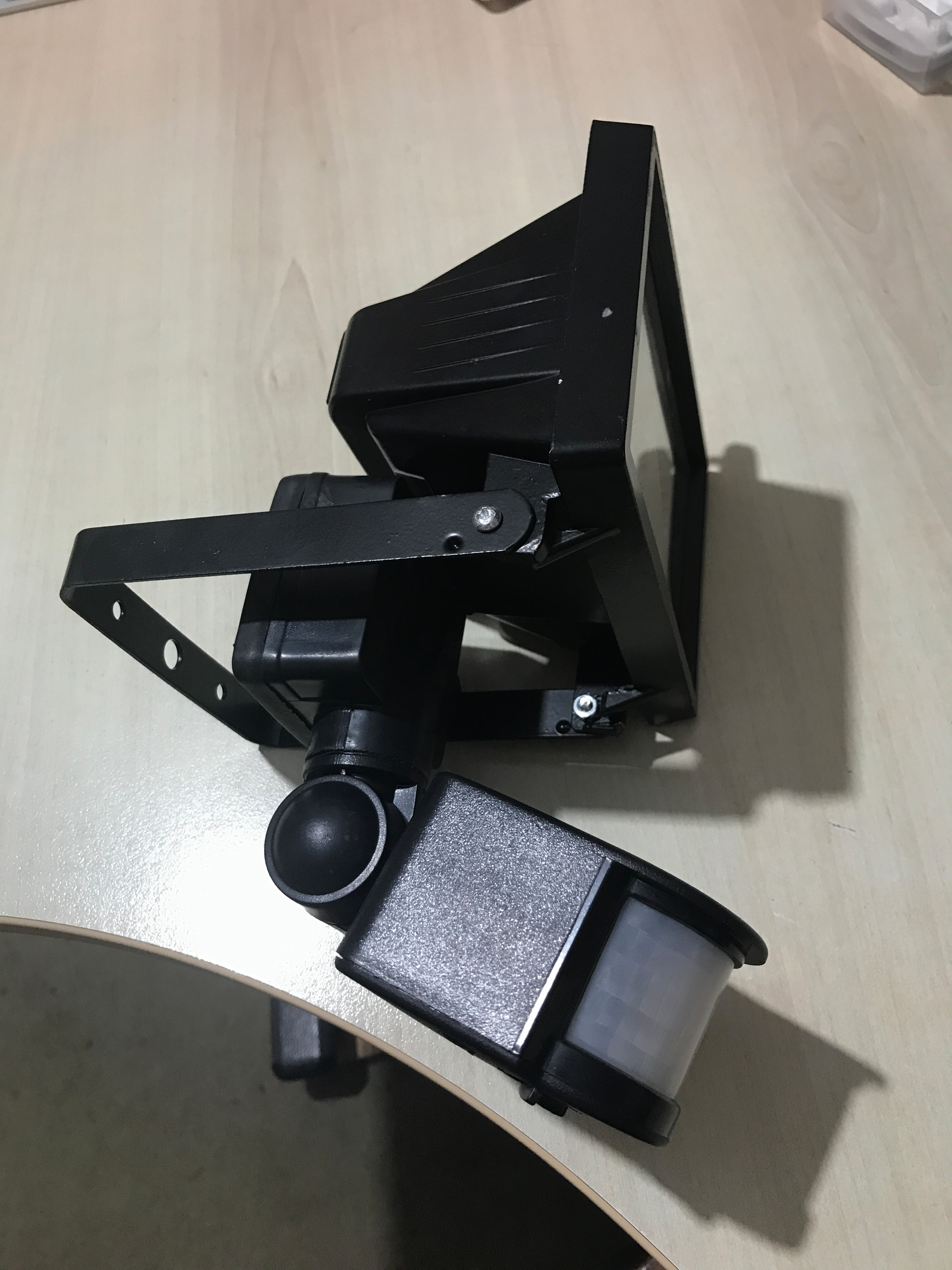 Picture of Very Cheap and Simple IoT Garden Floodlight Solution