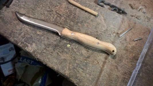 Step 9: Moulding the Handle.