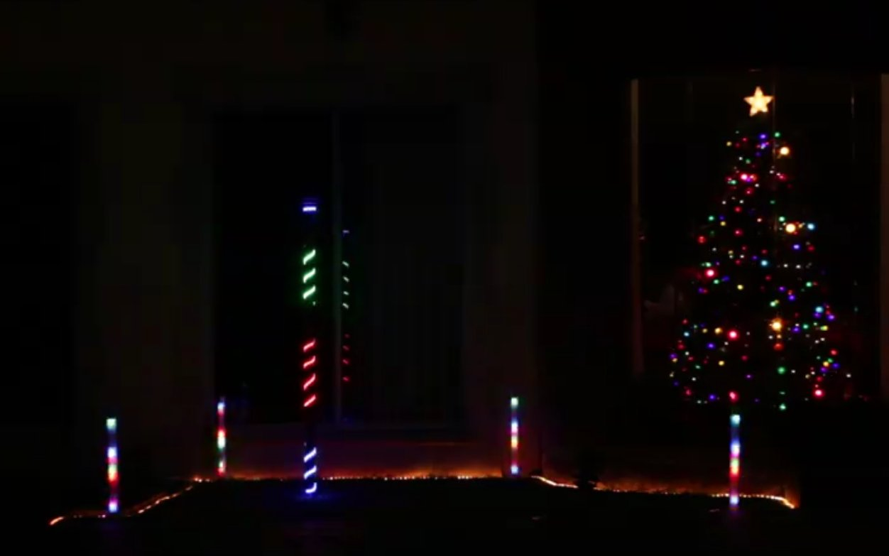 Picture of Luces De Navidad Con Pixeles (Christmas Lights Pixeles) Español - English