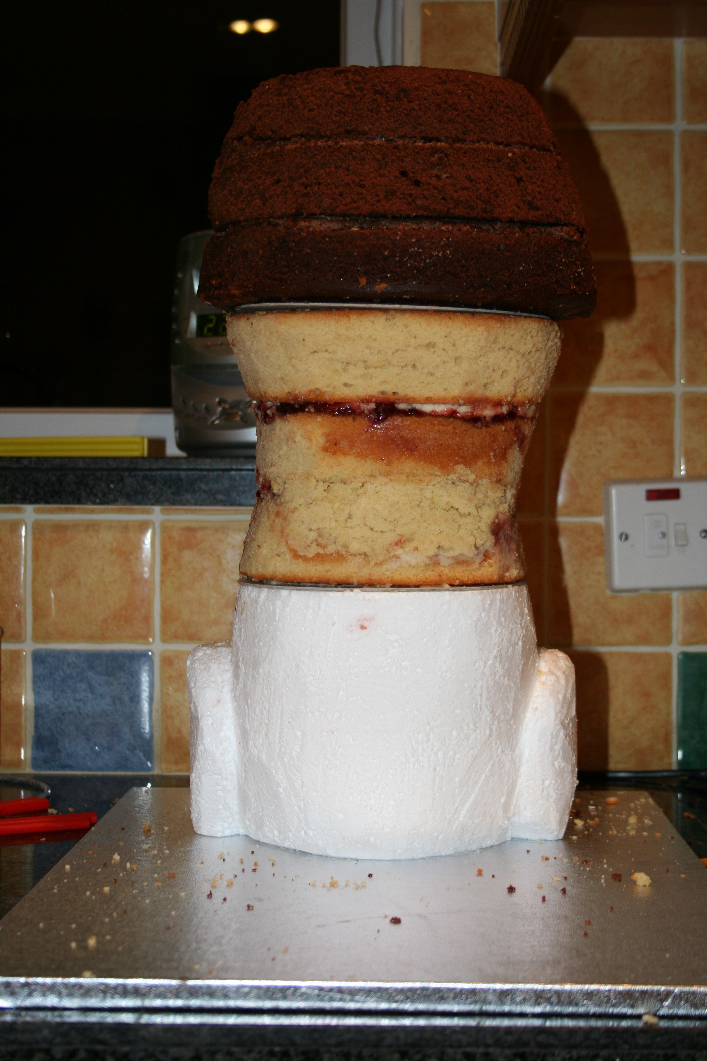 Picture of Assembling the Body - Cakes