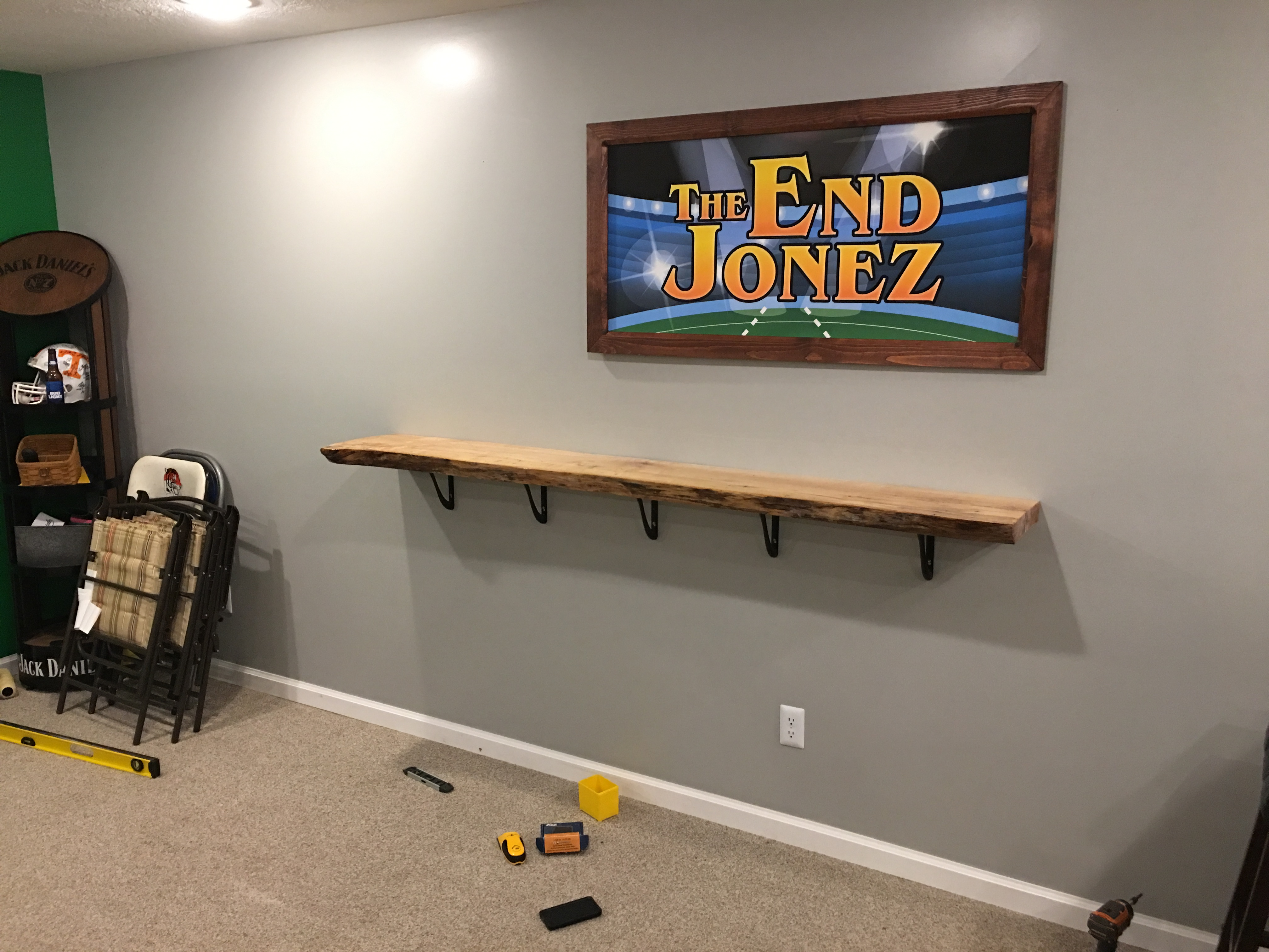 Picture of Live Edge Standing Bar