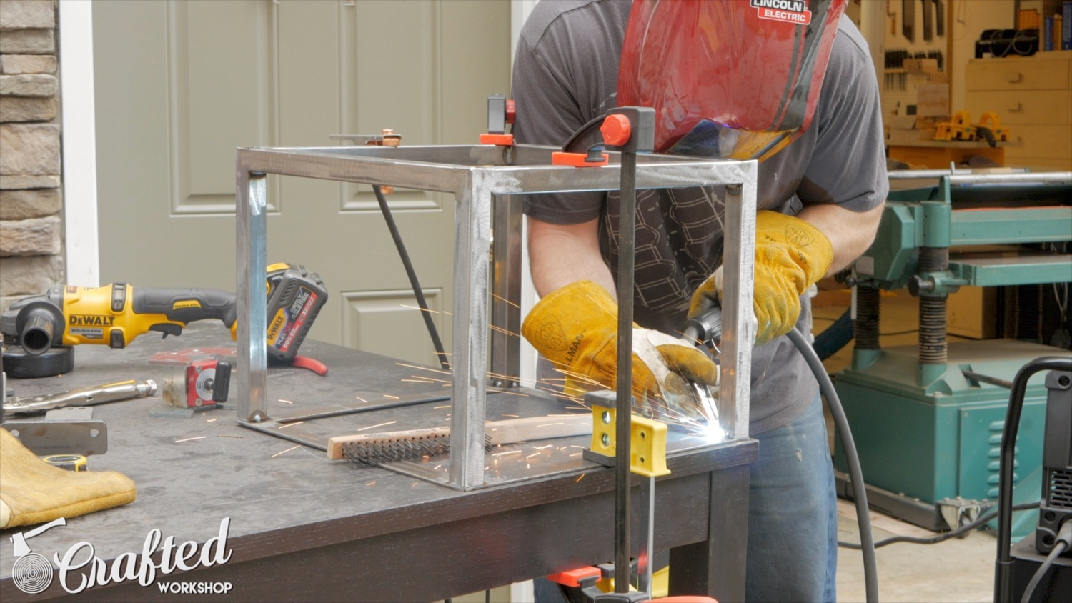 Picture of Weld Frame to Base