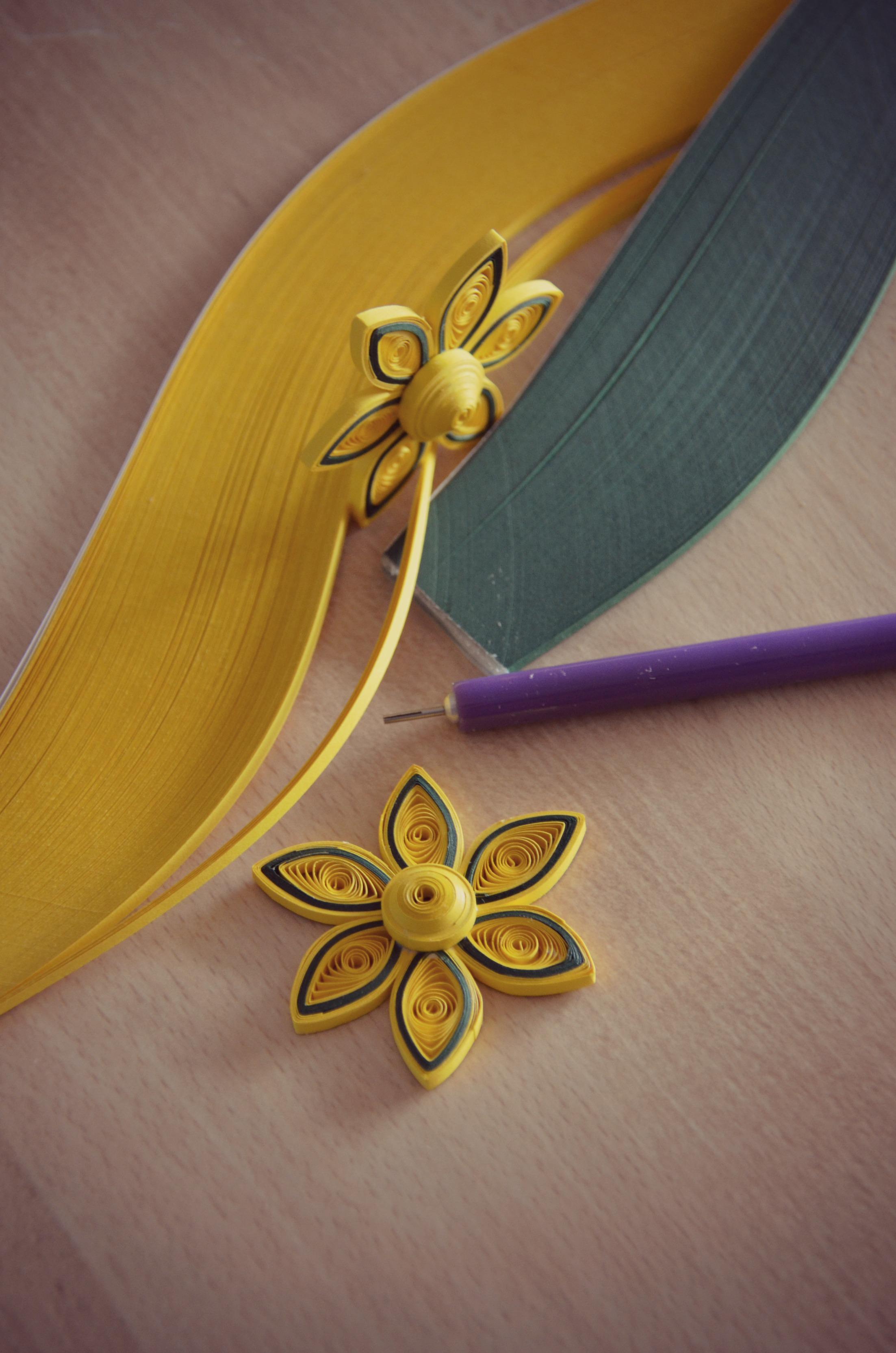 Picture of Quilling Yellow Flower