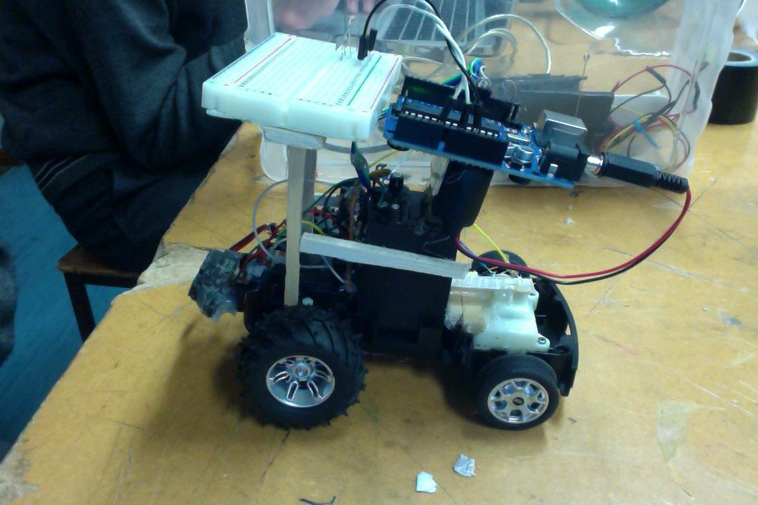 Picture of Autonomous Arduino Car With Infrared Proximity Sensor