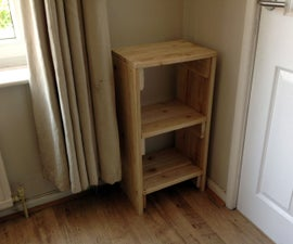 FURNITURE / TABLE MADE FROM PALLETS
