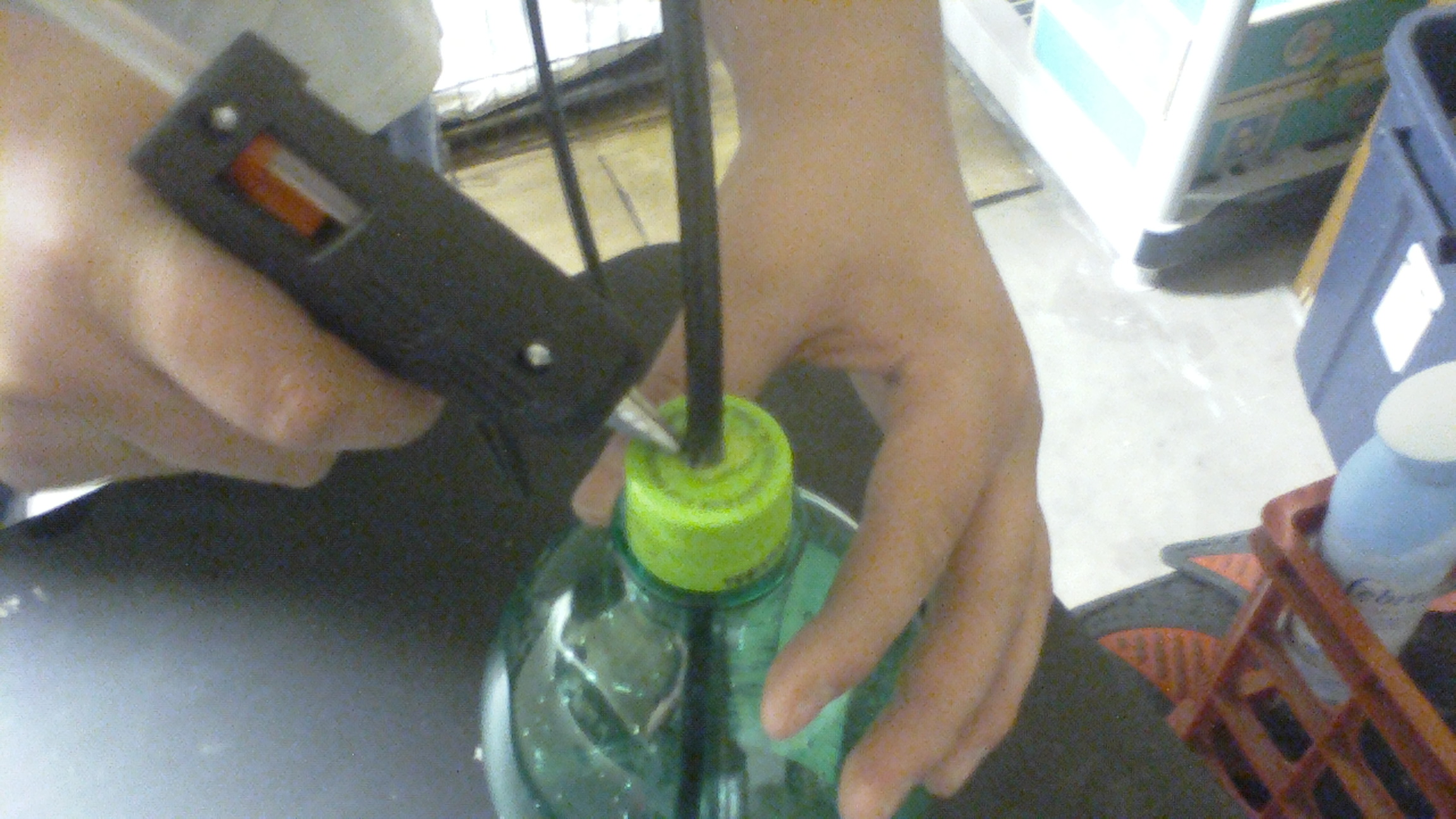 Picture of Gluing the Cap
