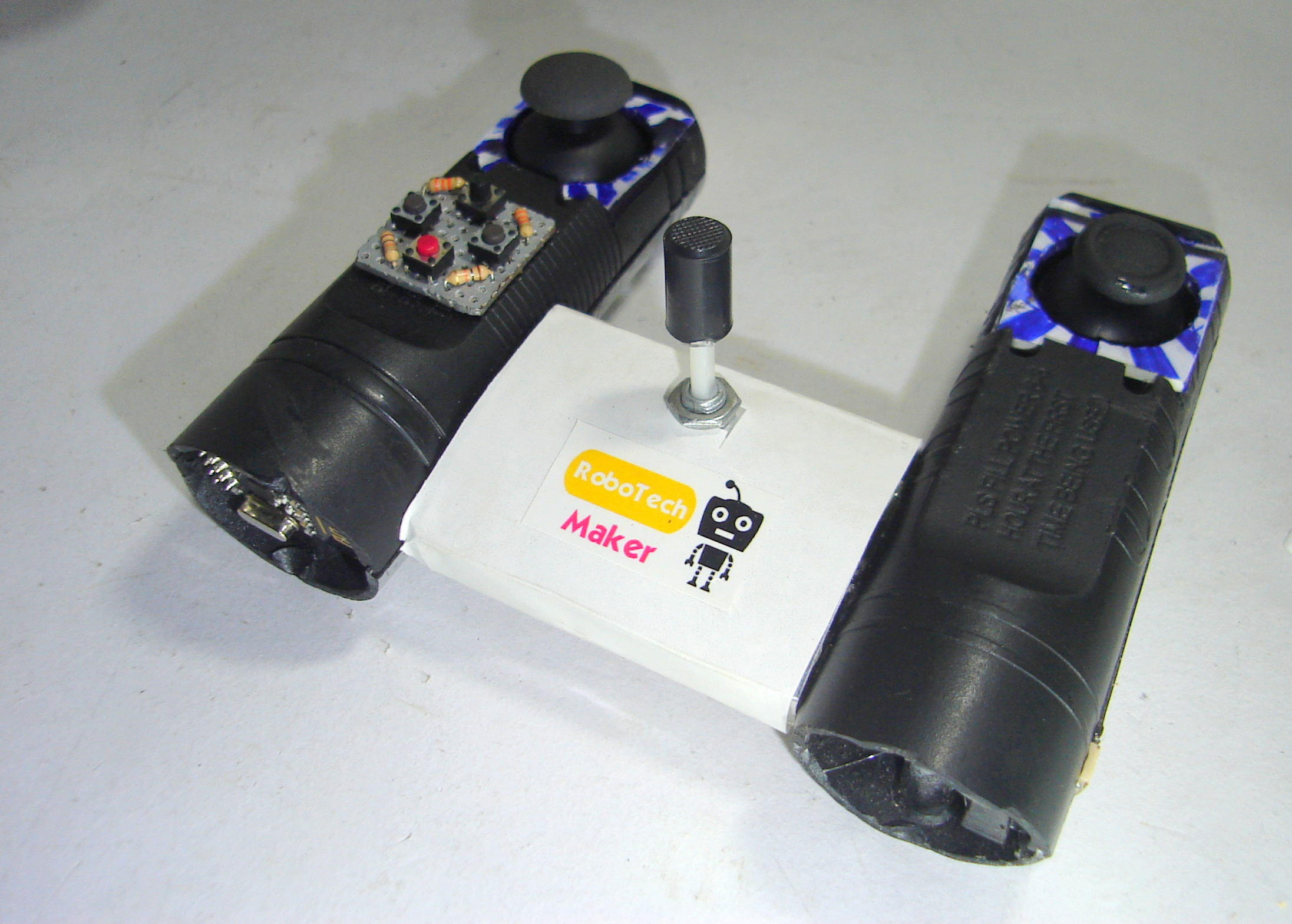 Picture of DIY WIRELESS REMOTE CONTROLLER FOR ROBOTS, RC BOATS ..