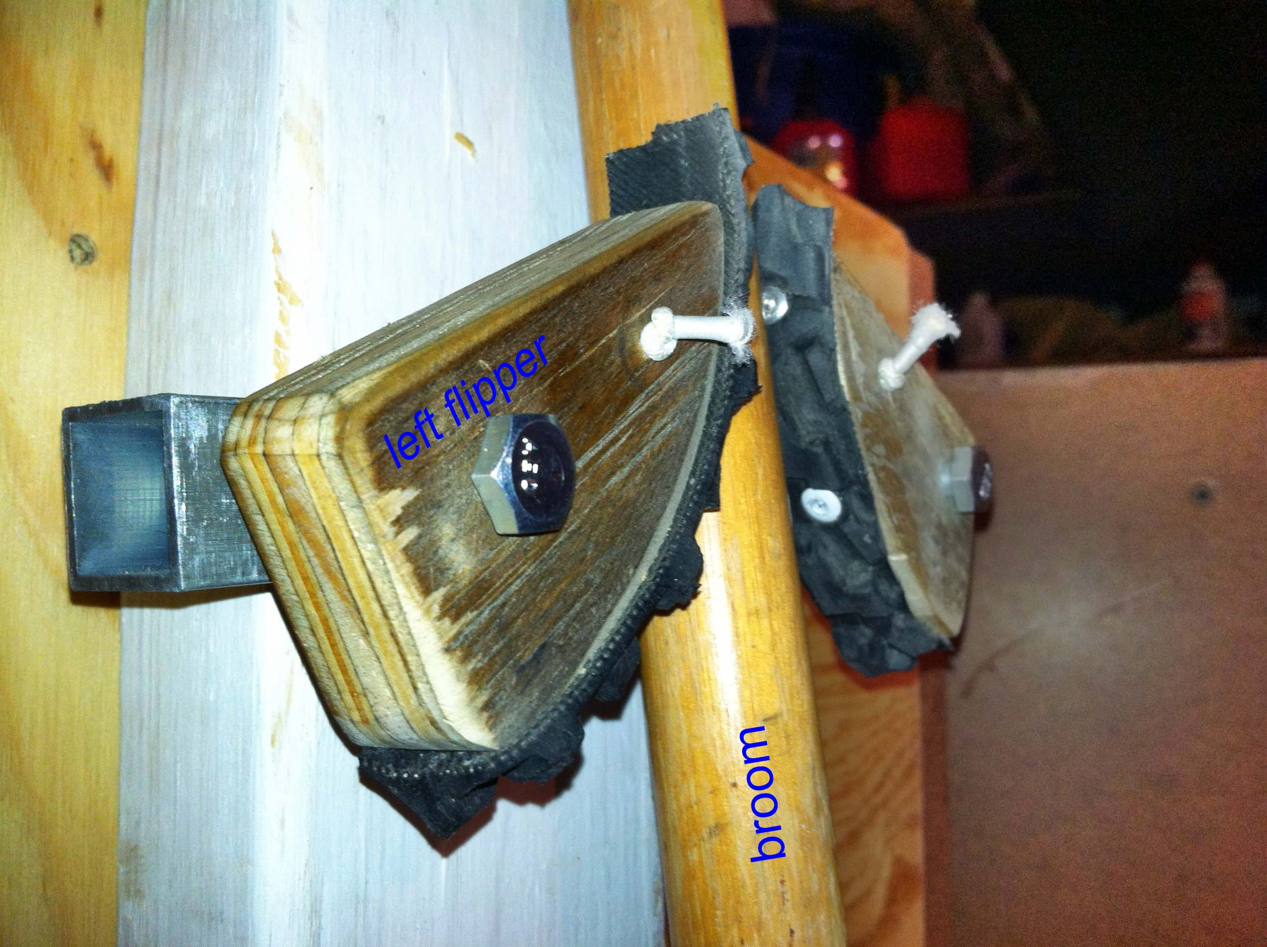 Picture of Garden Tool Holder - Pinball Flipper Style