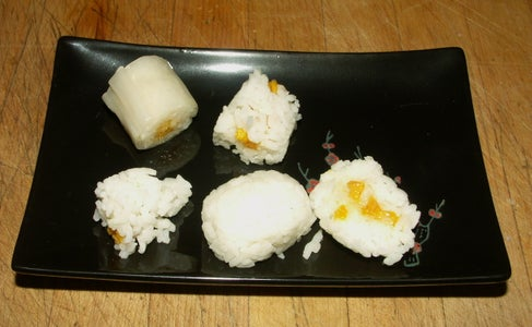 Sticky Rice With Mango Sushi; Cheater's Version